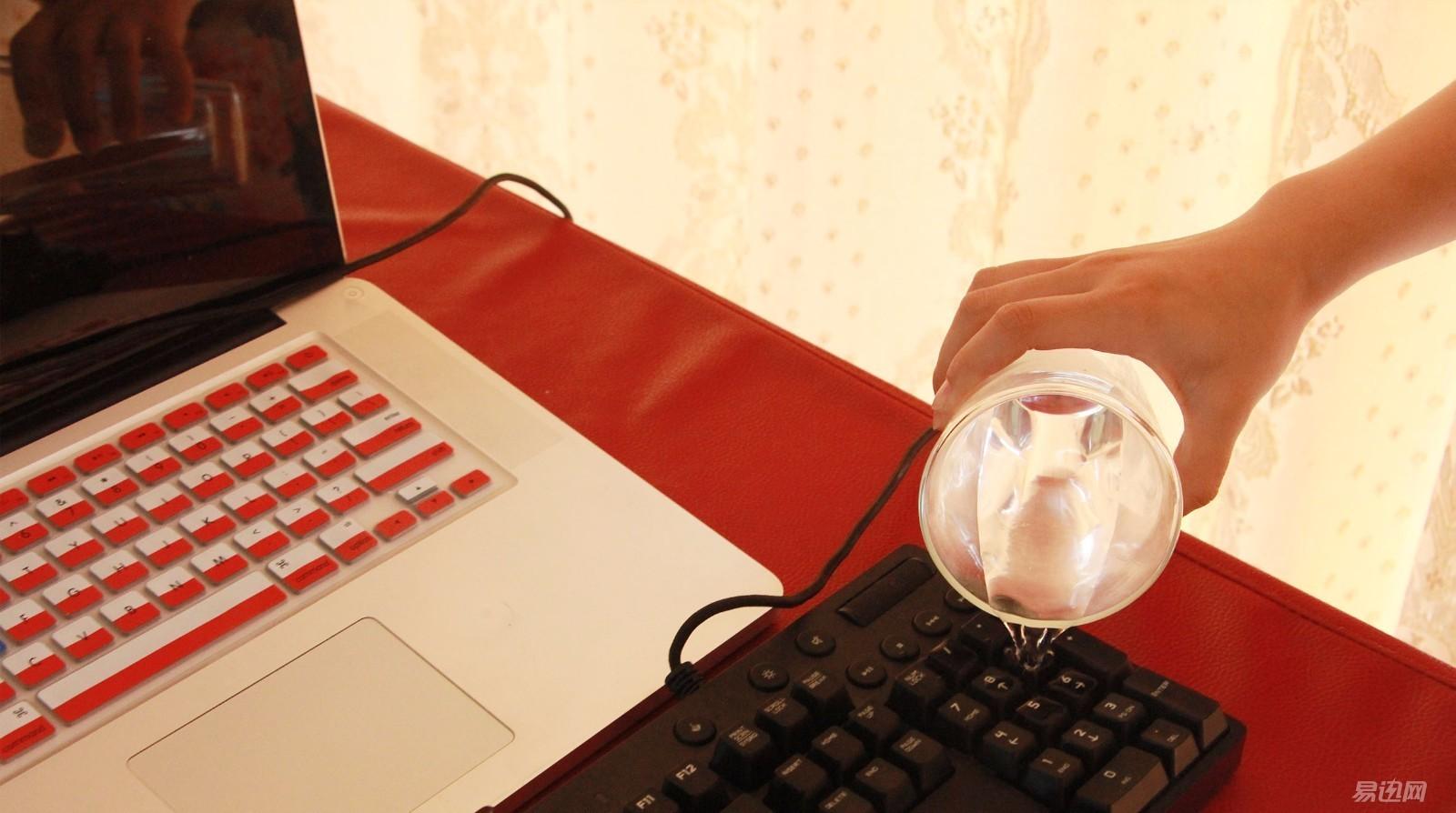 键盘进水了按键失灵了怎么办(键盘进水失灵一招解决)(3)